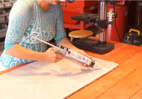 best-thing-to-keep-rugs-in-place-caulking