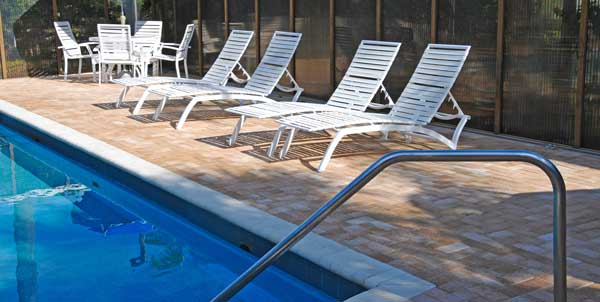 Best-Outdoor-Rugs-For-Pool-Area-1