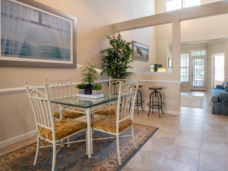 Pictures Of Rugs Under Dining Room Tables-10