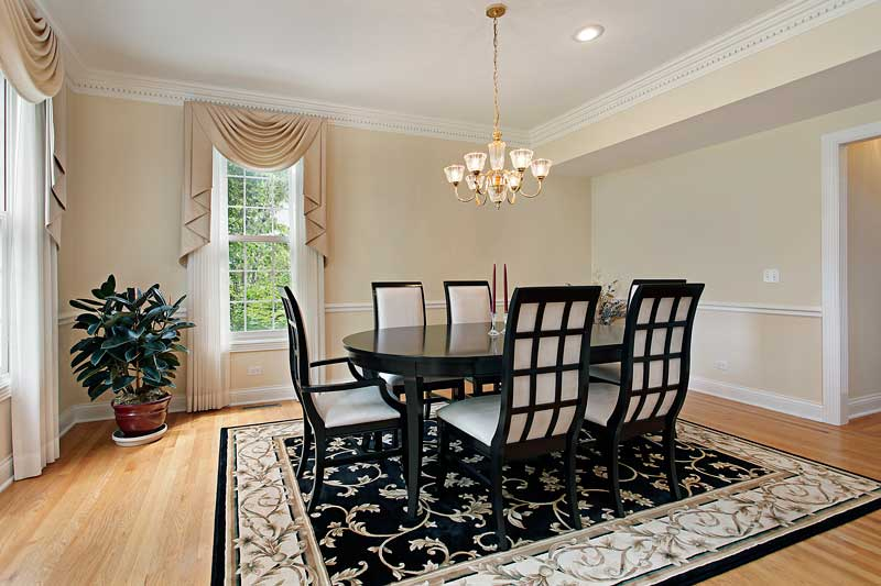 What-Size-Rug-Under-Dining-Table-1