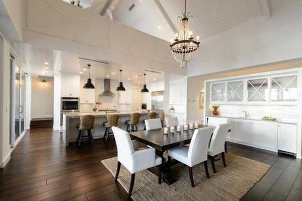 What-size-rug-under-dining-table-wrong-placement