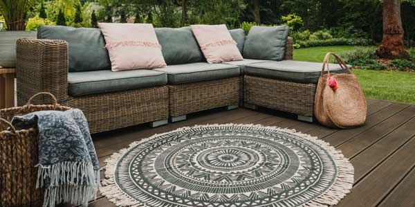 Can-Outdoor-Rugs-Be-Left-Outside-therugsgal