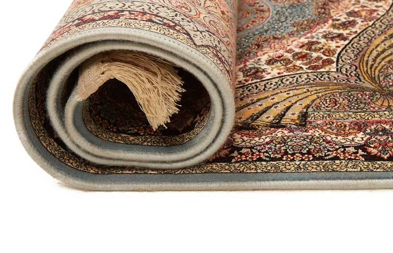 How-To-Flatten-a-Rug-That-Has-Been-Folded-1